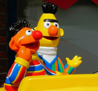 Bert-and-ernie-382270_1920 (2)